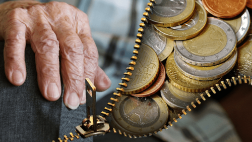60歳以降に資金を受け取る時も節税メリットがある!
